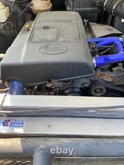 Land rover defender 90 trayback offroader challenge truck