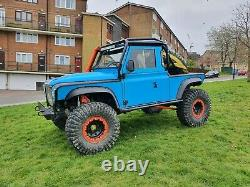 Land rover defender td5 off roader challenge truck 4x4 Blue