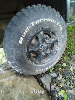 Land rover discovery 2 wheels bf goodrich mud tyres off road