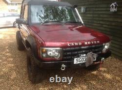 Land rover discovery off roader