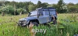 Traxxas Trx-4 Land Rover Defender boxed withlink used once! New condition